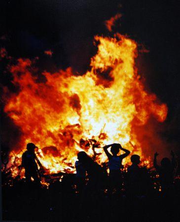 bonfire-night-sarsfield-tce.jpg