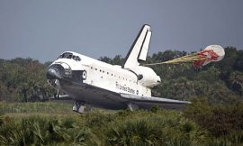 Space shuttle Endeavour lands at Kennedy Space Centre in Florida